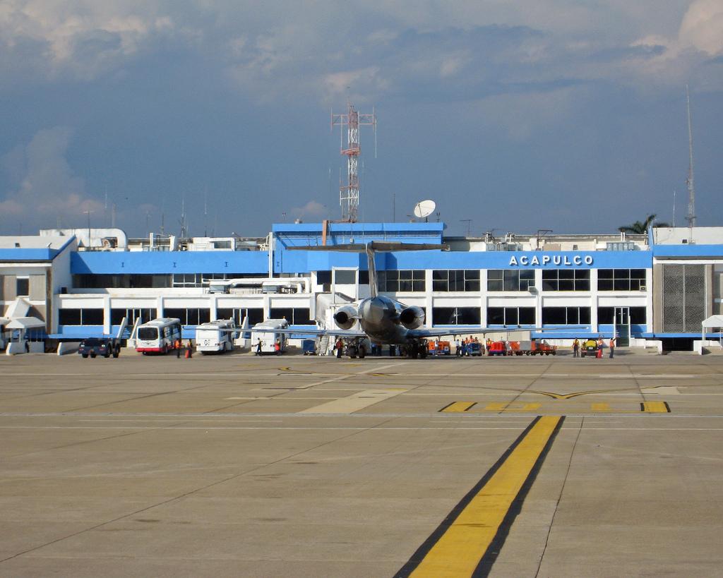 Casas de cambio en el aeropuerto de acapulco cambio peso for Cajeros en el aeropuerto